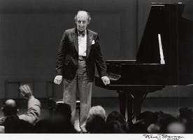 Vladimir Horowitz on stage for his final Carnegie Hall recital, 1985