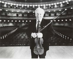 Isaac Stern photographed on the stage of Carnegie Hall around the time of his 80th birthday in 2000. Photo by Peter Rosen.