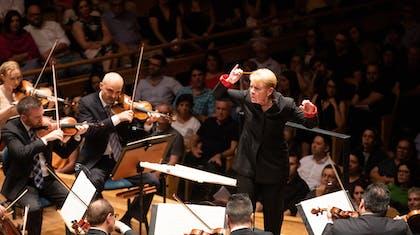 Marin Alsop conducts the Orquestra Sinfônica do Estado de São Paulo