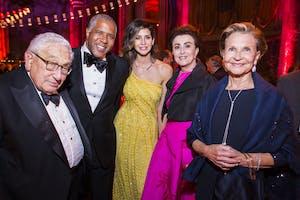 Henry Kissinger, Robert F. Smith, Hope Smith, Mercedes T. Bass, Lynn Nesbit. Photography by Chris Lee.